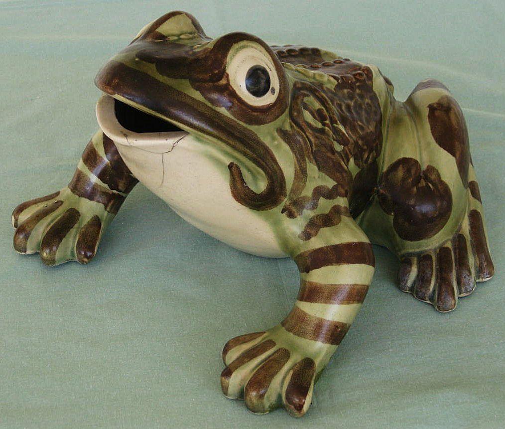 Brush Mccoy Large Outdoor Garden Frog Figurine Garden Frogs