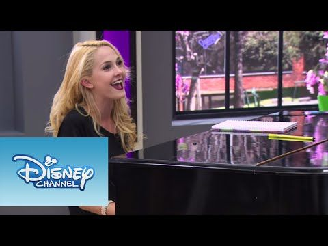 Violetta: Ludmila y Vilu cantan ¨Si Es Por Amor¨ (Ep 78 Temp 2) - YouTube