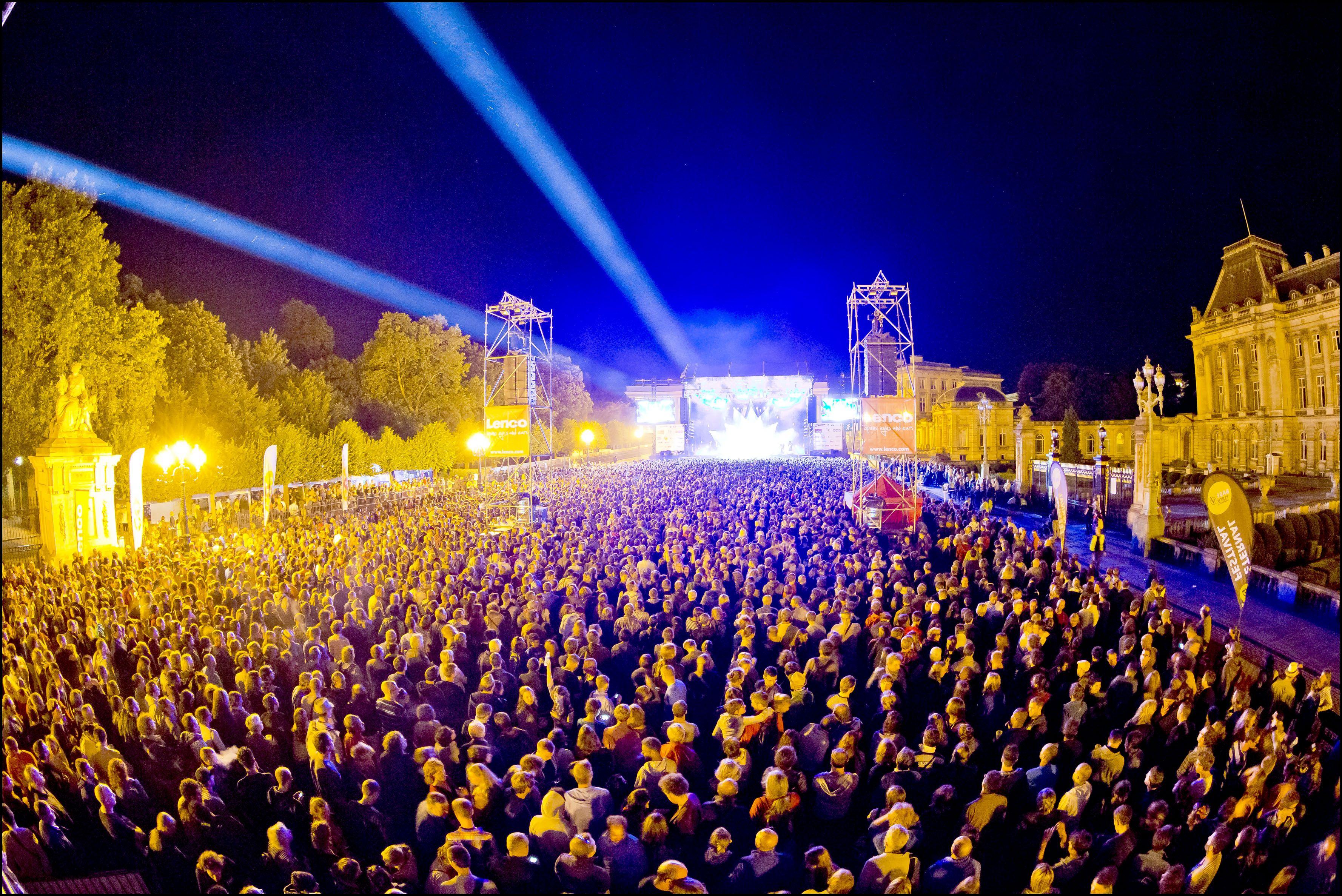 Het Brussels Summer Festival is een jaarlijks tiendaagse muziek- en cultuurfestival in de stad Brussel. Het is één van de belangrijkste culturele evenementen van de maand augustus in Brussel. Genre: Rock, Jazz, Dance, Popmuziek en Blues.