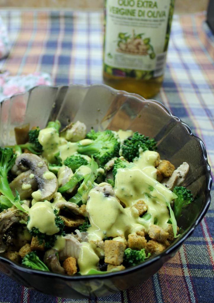 Nutritious & Delicious Chicken & Mushroom Salad Recipe -