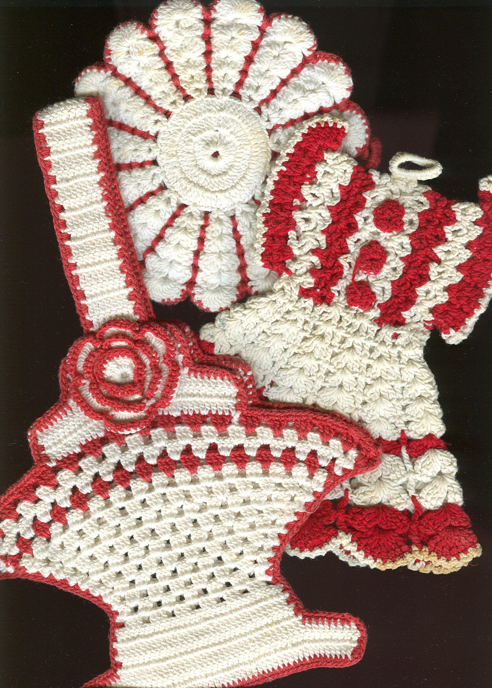 vintage crocheted hot pad holders vintage needlework linens hankies pinterest. Black Bedroom Furniture Sets. Home Design Ideas