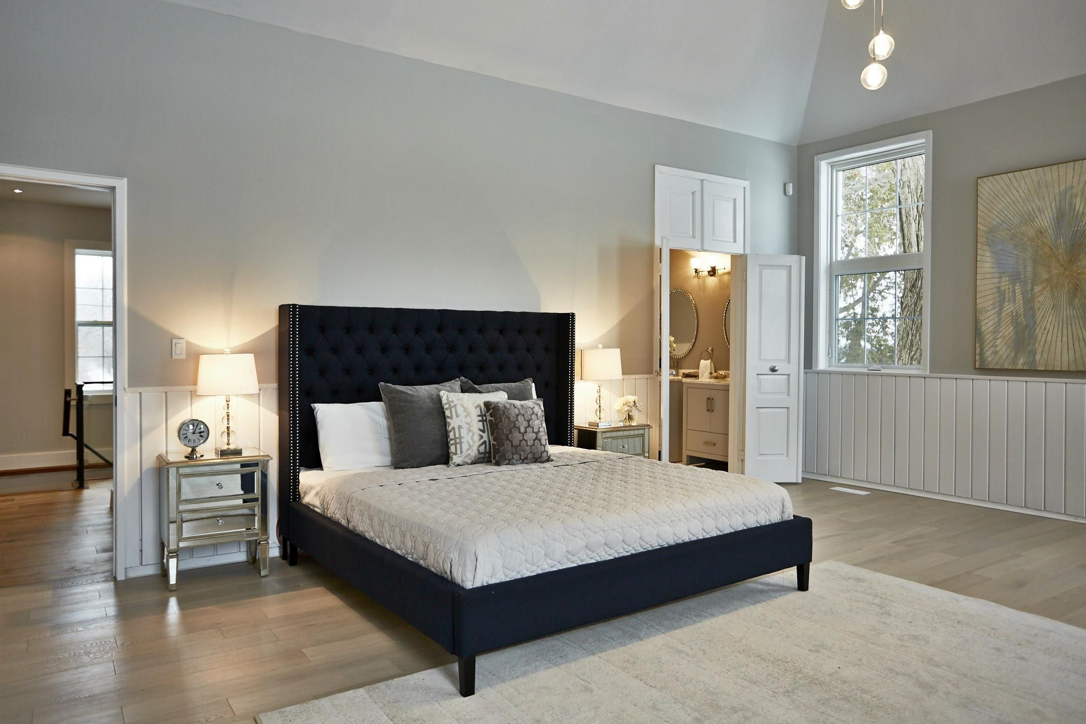 Royal blue head board for master bedroom Home staging