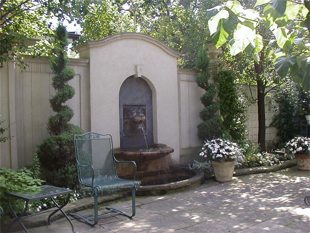 Classic fountains classic patio with wall fountain for Outdoor wall fountains