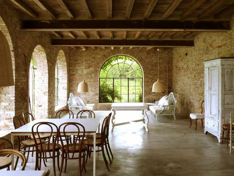 Italian country design images country house in italy combines modern simplicity with 14th - Italian home interior design ...