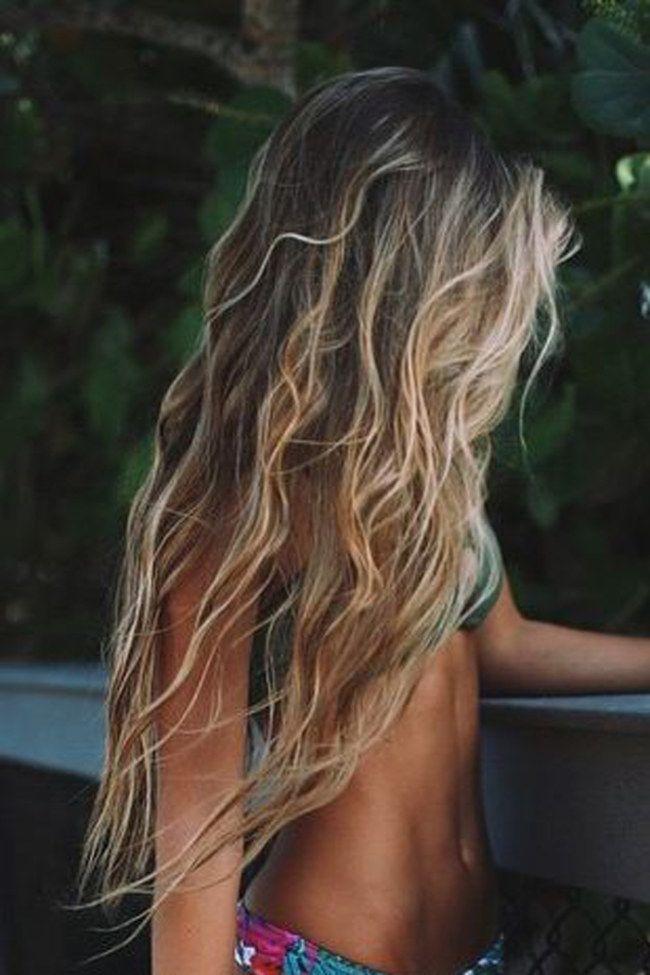 Sommer Sonne Surfer Look Lassige Beach Waves Zum Nachstylen Haar Styling Wellige Frisuren Surfer