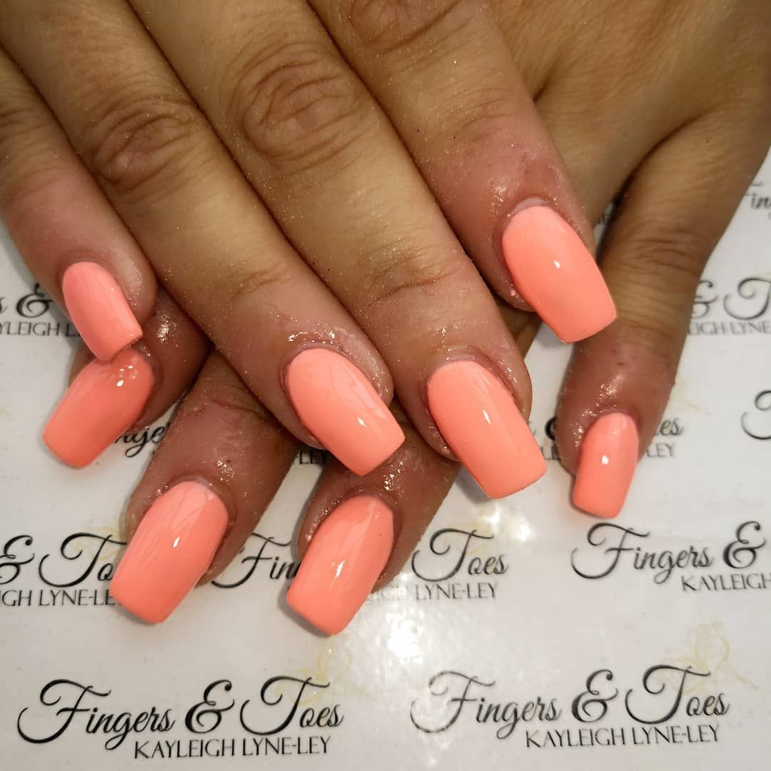 Pretty Peach Coral Nails For The Lovely Carly Nailsbykayleigh Fingersandtoesexeter Coralnails Acrylicnails Su Peach Acrylic Nails Coral Nails Trendy Nails