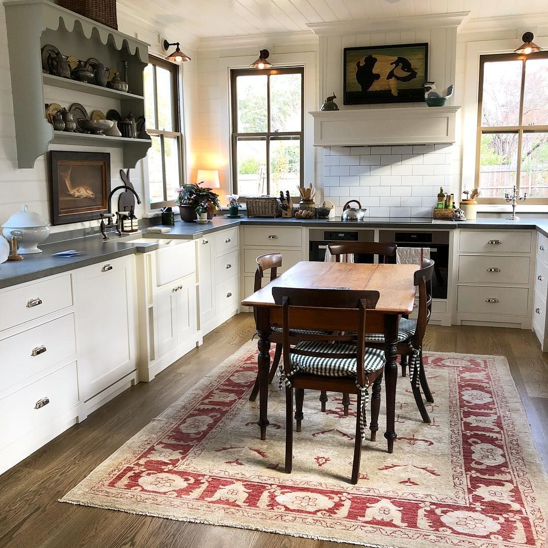 idea by natalie lyon on cottages and cabins kitchen decor trends farmhouse kitchen tables on kitchen decor trends id=95014