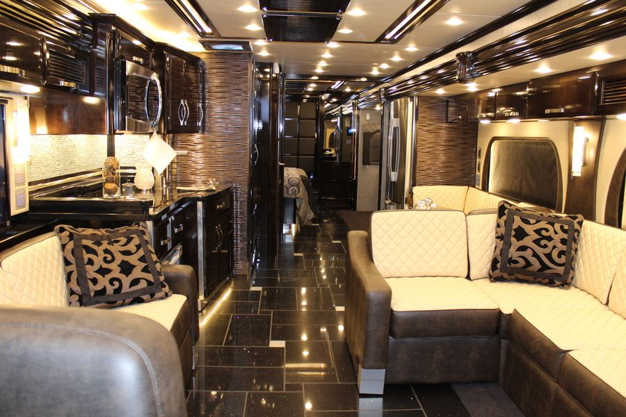 2014 King Aire 'Class A' Motorhome Camper interior