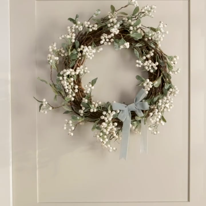 Photo of CREATIVE SPRING DOOR WREATH