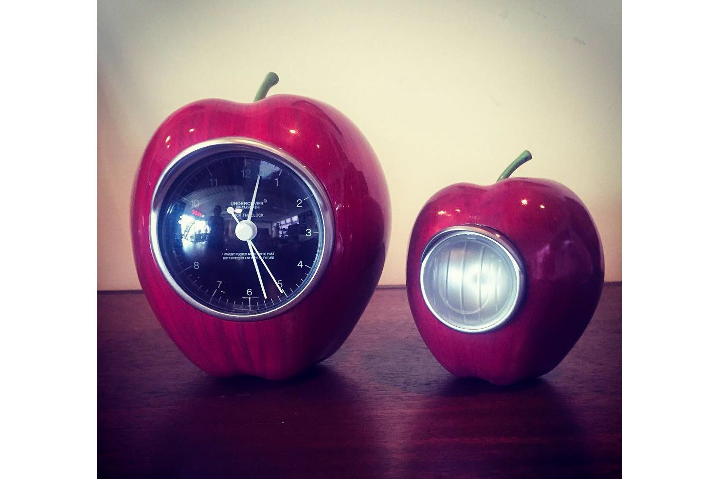 This Undercover Gilapple Tells The Time Gadgets