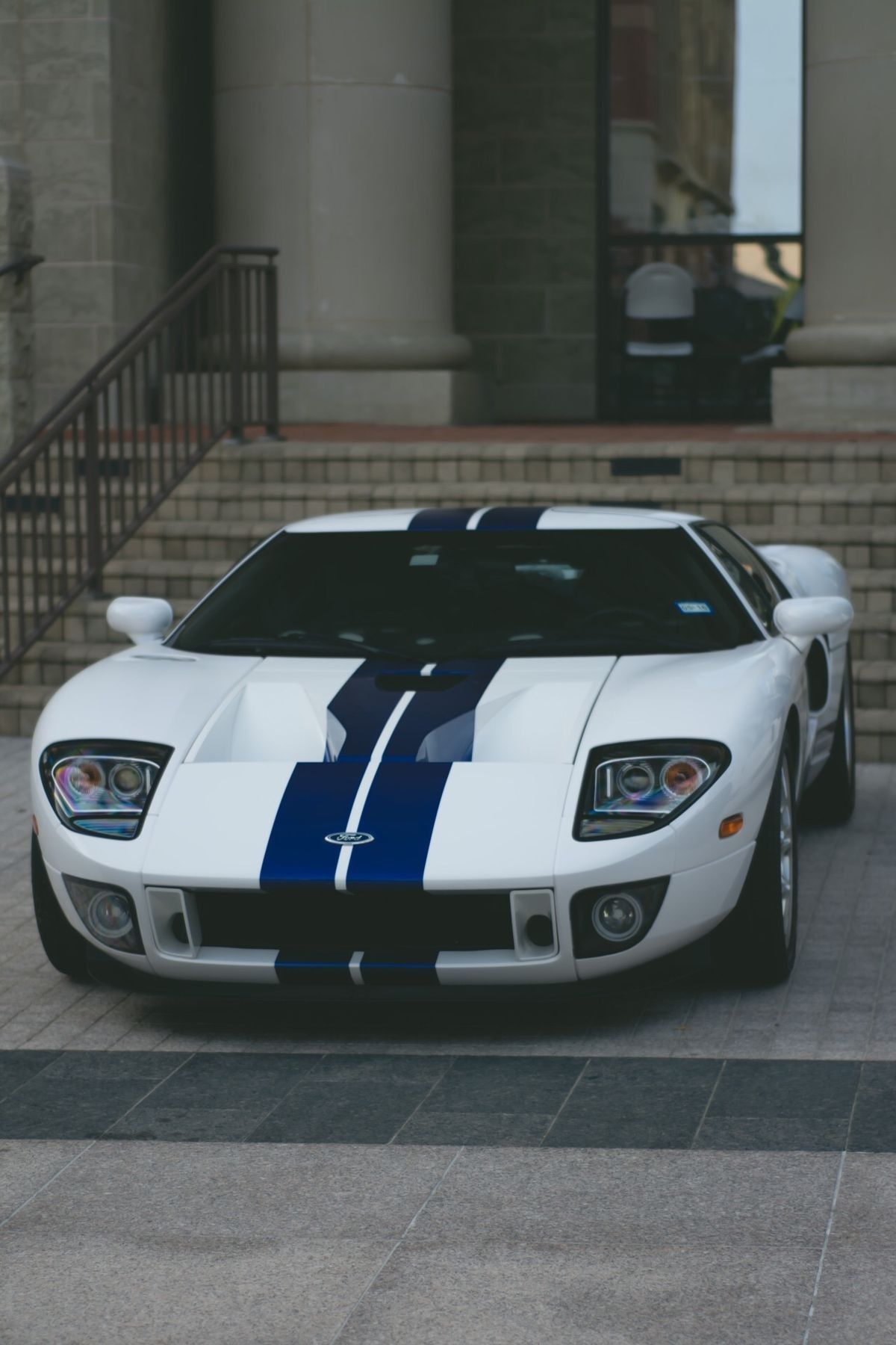 Pin By Naomii Rosales On On The Limit Men And Machines Ford Gt Ford Classic Cars Ford Gt40