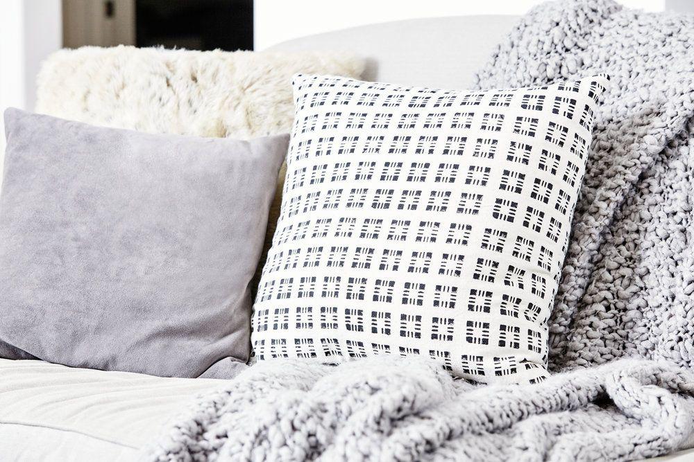 Pillow Detail Liz Foster Interiors Interior, Fashion