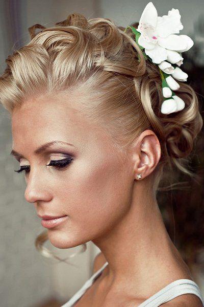 Coiffure mari e cheveux courts recherche google coiffure pinterest coiffure mari e - Chignon mariage simple ...