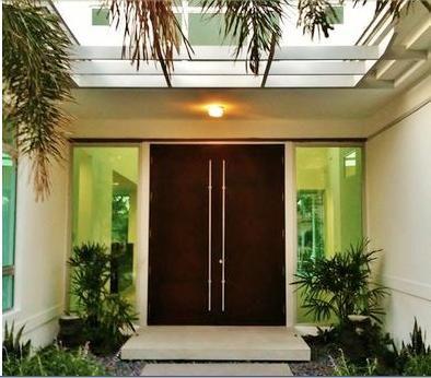 Puerta exterior dos hojas puerta de acceso pinterest for Puertas para patio exterior