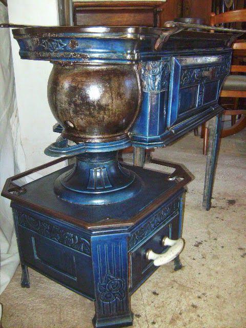 Ancienne Poele Cuisiniere A Bois Fonte Emaillee Bleu Epoque Art Nouveau Remise En Vente Cuisiniere A Bois Vieux Four Poele Antique