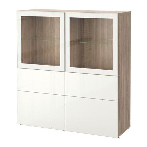 BESTÅ Säilytyskokonaisuus/vitriiniovet - harmaaksi petsattu pähkinäpuukuvio/Selsviken korkeakiilto valkoinen/kirkas lasi, liukukisko, pehmeästi sulkeutuva - IKEA