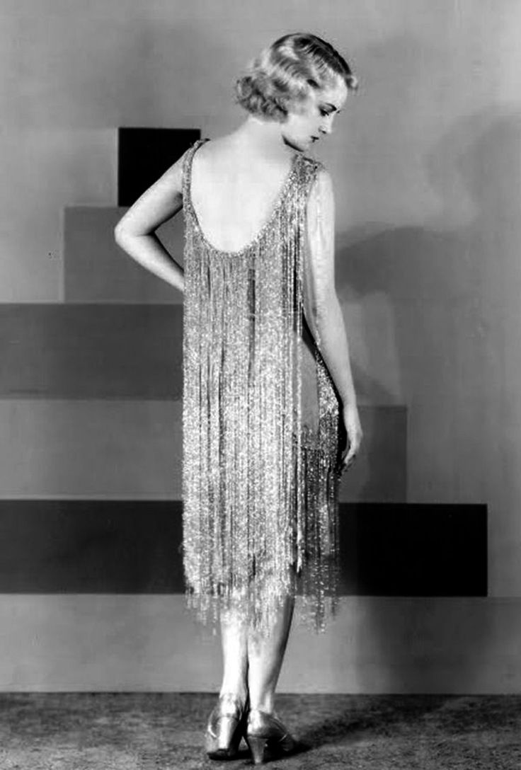 1920s Evening Dress - the material, the beads and the accessories ...