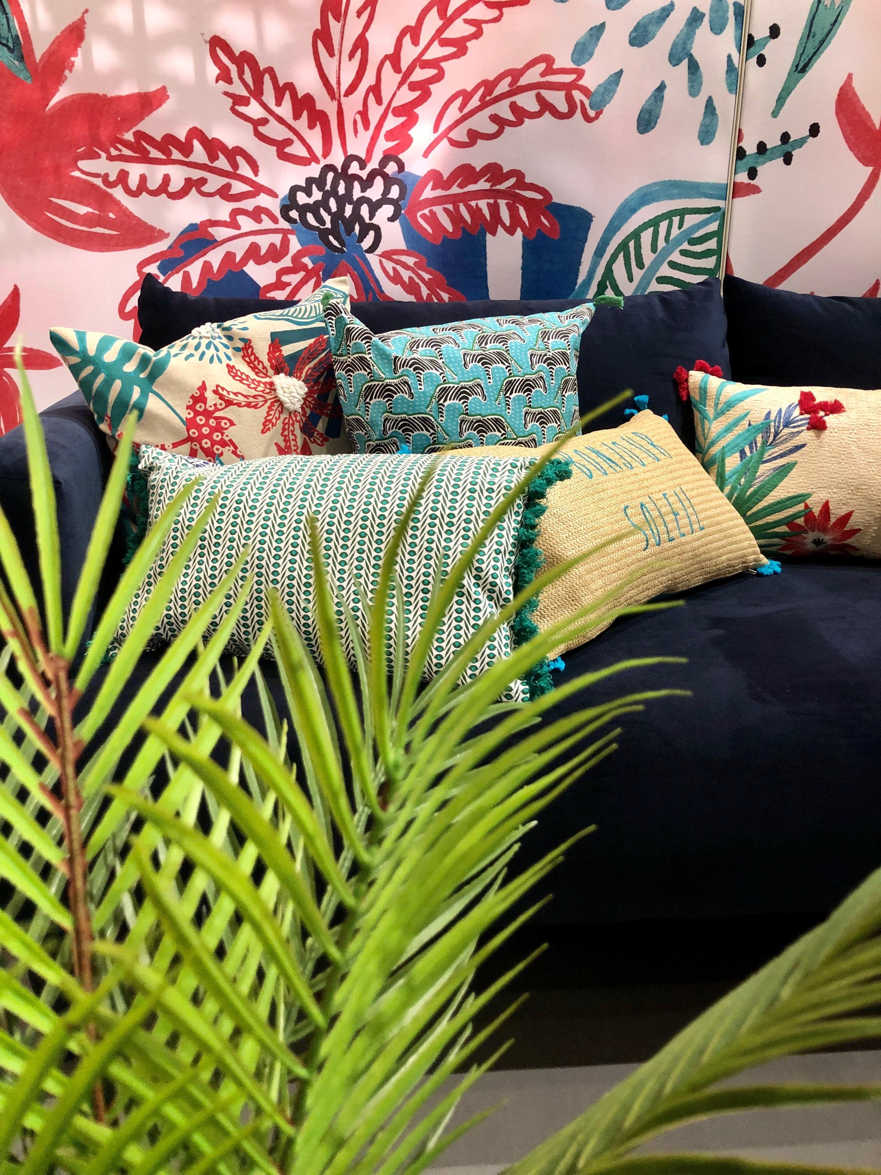 Papier Peint Petit Salon maison du monde petit salon ambiance urban jungle canapé en