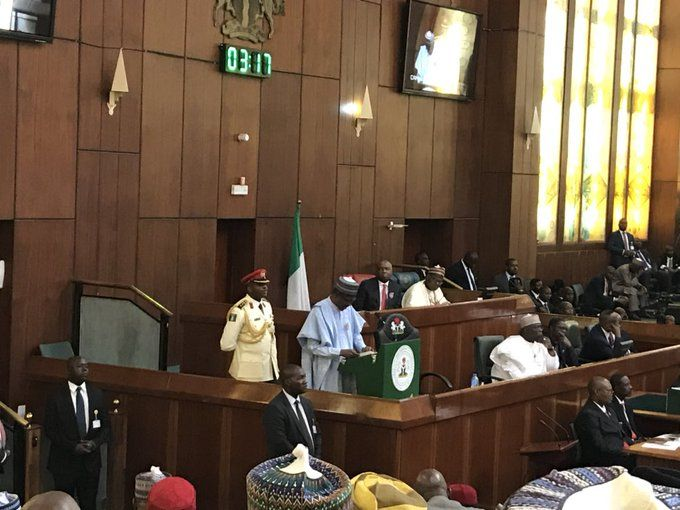 Nigerians in reaction to the presentation of 2018 Budget proposal - budget proposal