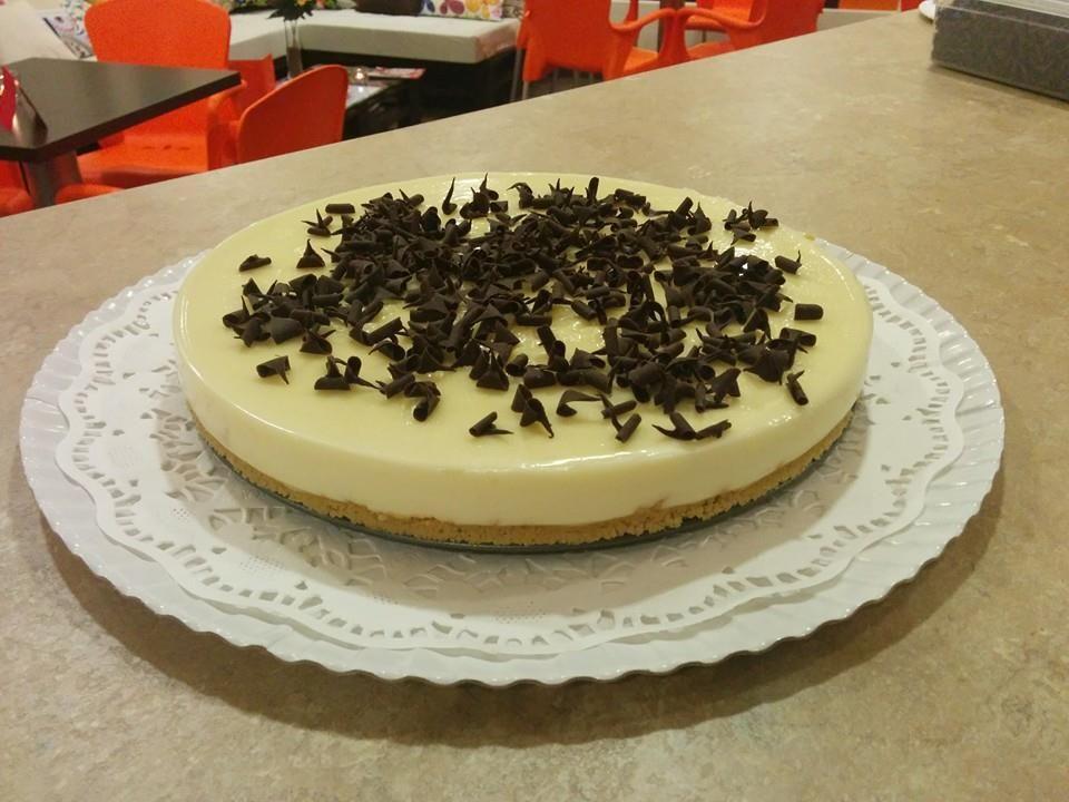 Tarta de Queso y Chocolate Blanco hecha por nosotros. ¿Queréis probarla? No esperéis mucho que se acaba