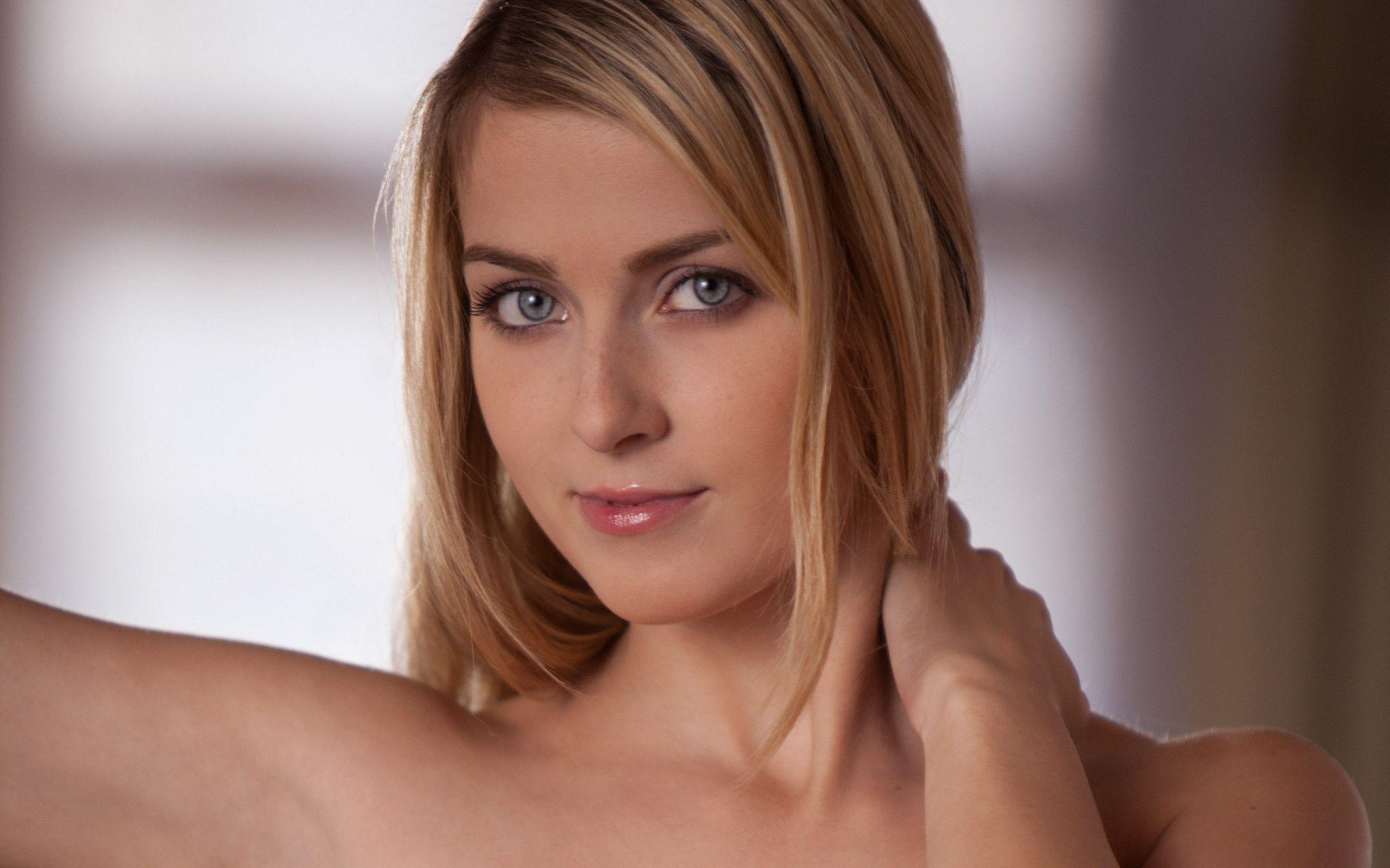 Abigaile johnson de la república checa 3