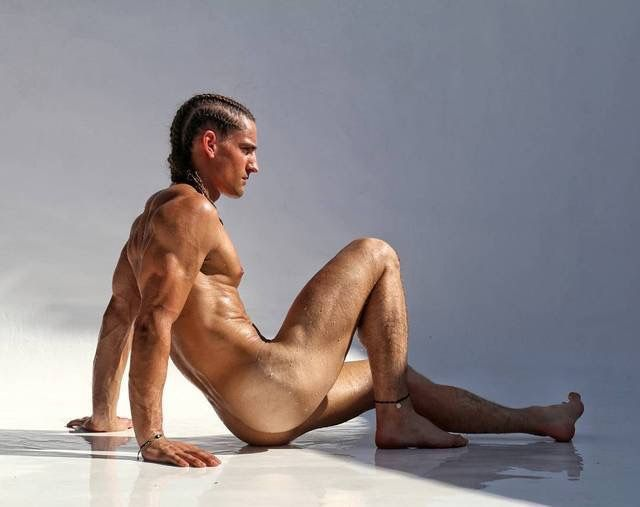 male naked pin up