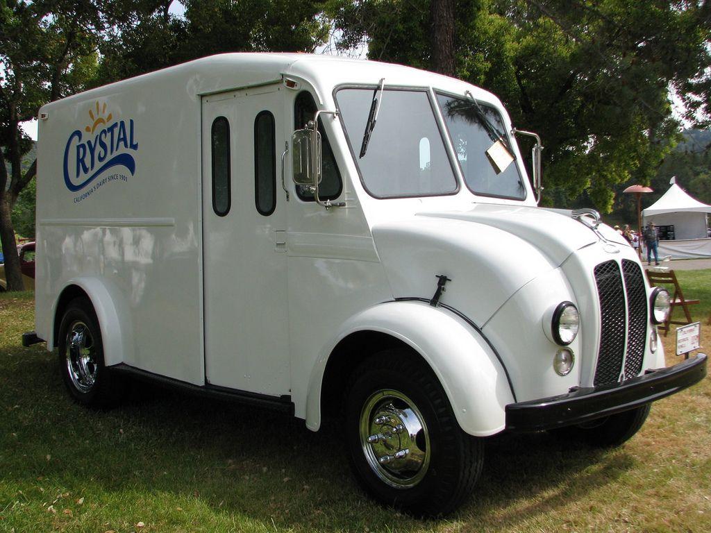1965 Divco Crystal Milk Truck 1 Cars