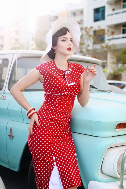 9be3ececf1c 30 s Bombshell Red with white dot Fitted Dress
