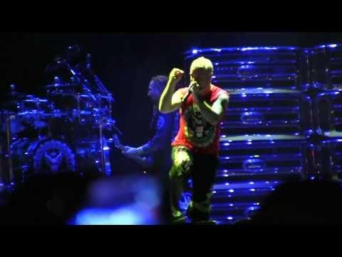 Five Finger Punch Ivan Refuses Order To Leave Stage Las Vegas