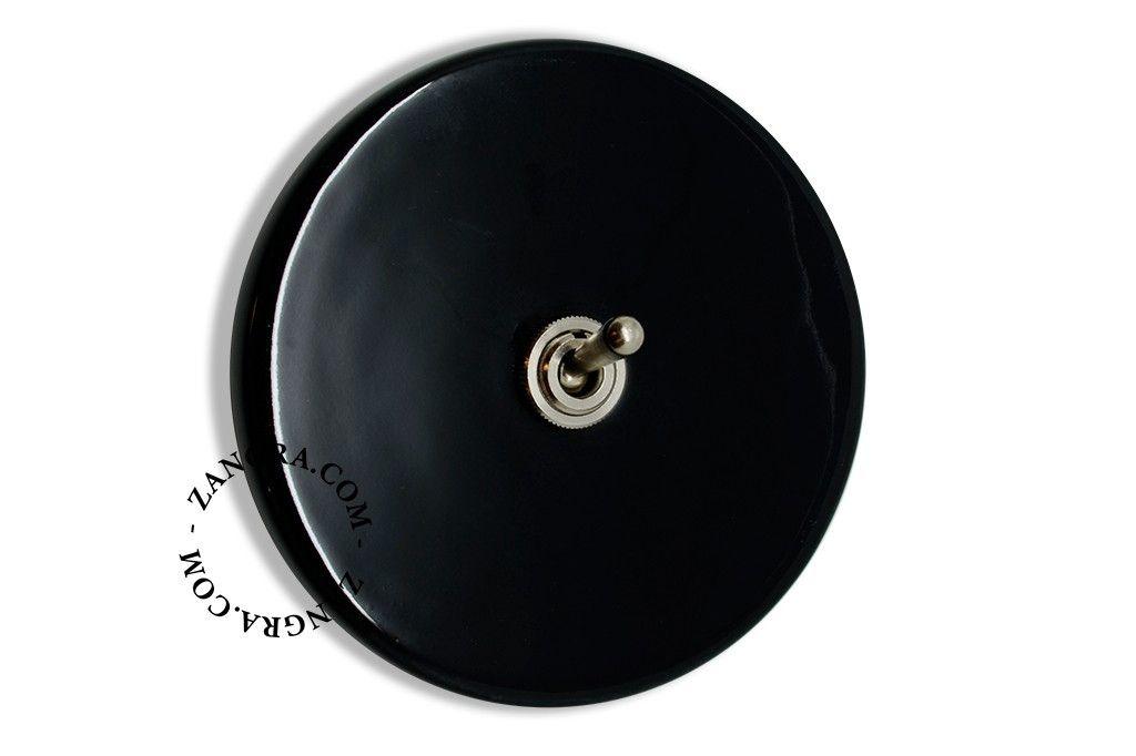 1000 id es sur le th me interrupteur bascule sur. Black Bedroom Furniture Sets. Home Design Ideas