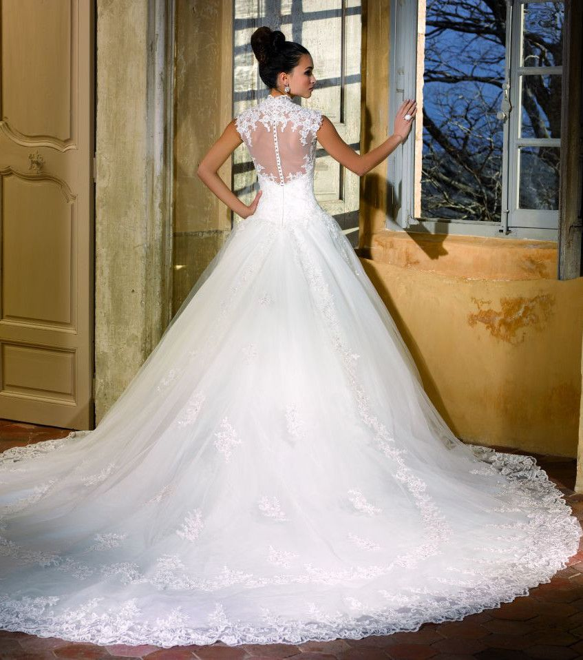 Robe de mariee longue traine pas cher