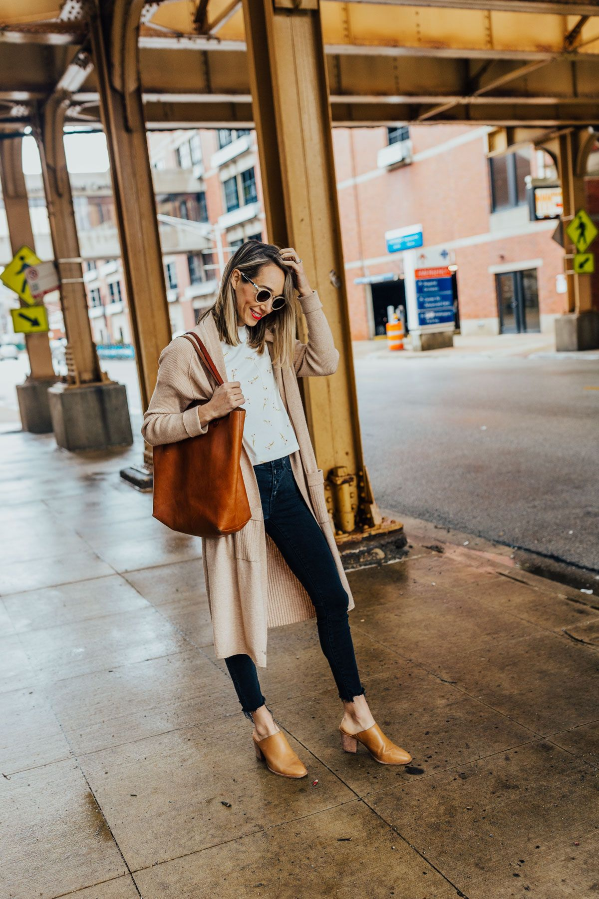 874108e106cc What My Days Look Like as a Working Mom | Fox & She Style | Fashion ...