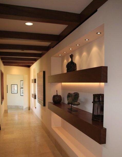 Decoraci n pasillos y recibidores consejos de iluminaci n for Iluminacion escaleras interiores
