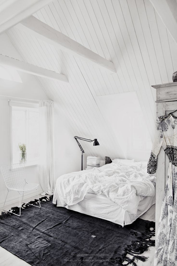 Tapis Sous Lit White And Grey Bedroom Harperandharley Déco Bedroom White