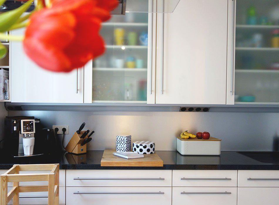 küche, matt, glänzend, planung, langlebig, naturstein, holz - küche weiß mit holz
