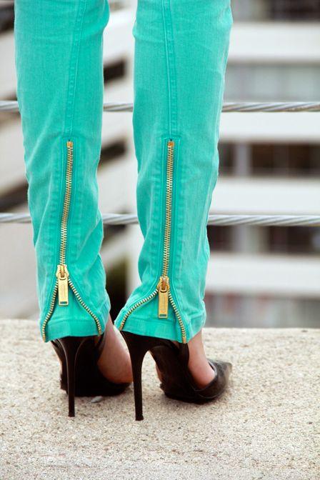 Google Image Result for http://www.glamour.com/fashion/blogs/slaves-to-fashion/0408-mw3_fa.jpg