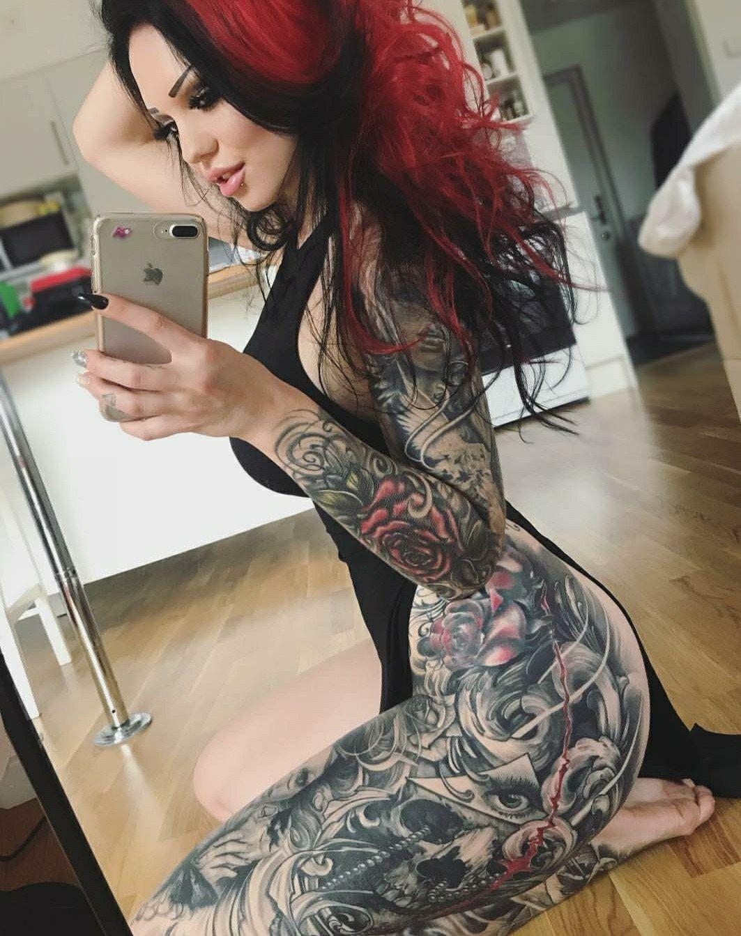 Tattooed girls daily pics tatouages pinterest tattoo girls