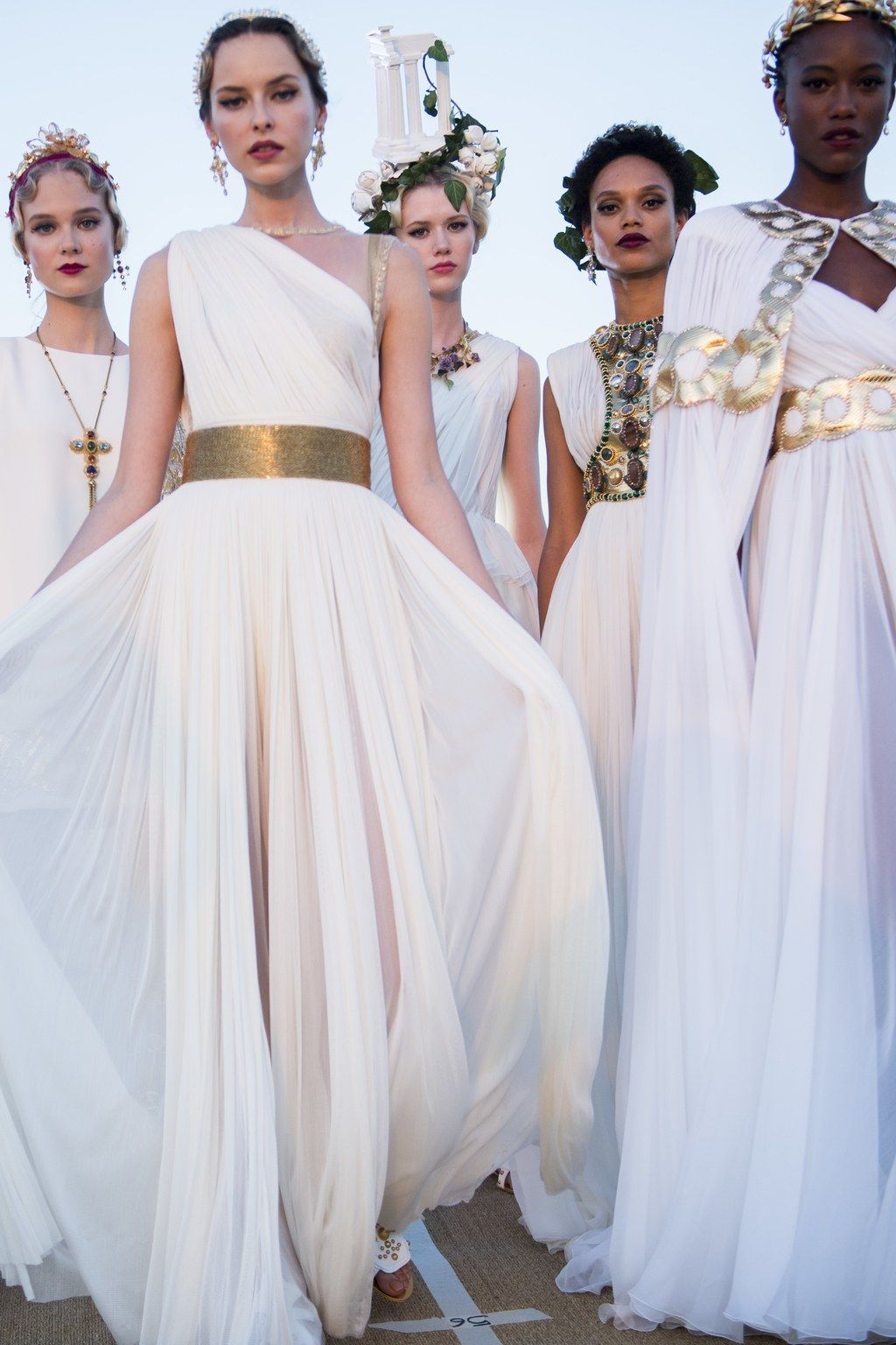 Dolce Gabbana Alta Moda Le Foto Del Backstage Dolce E Gabbana Alta Moda Moda