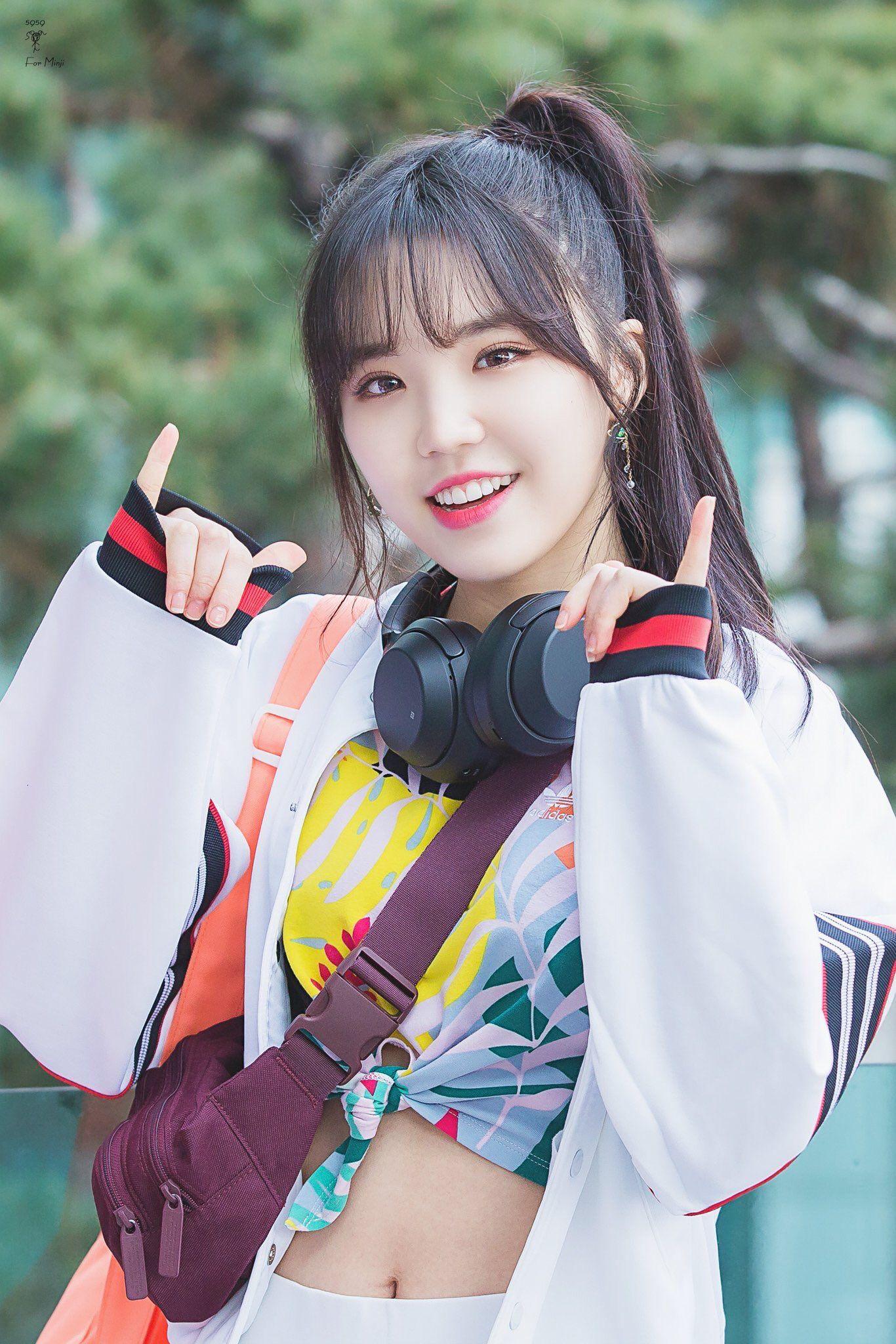 Minji Kpop Kdrama Bts Exo Kpoparmy Kpop Girls Kim Min Ji Korean Idol