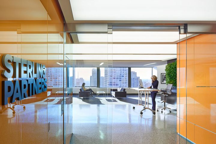 Sterling Partners office in Chicago by Brininstool Lynch