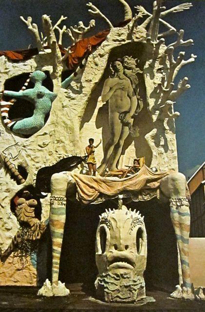 "Salvador Dali's ""Dream of Venus"" at the 1939 World fair"