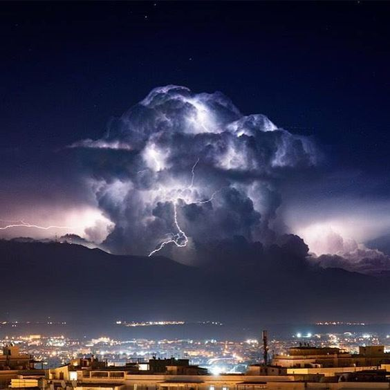 Kind Of Reminds Me Of An Epic About Mt Olympus Weather - Stunning photographs capture epic thunderstorm off the coast of sydney