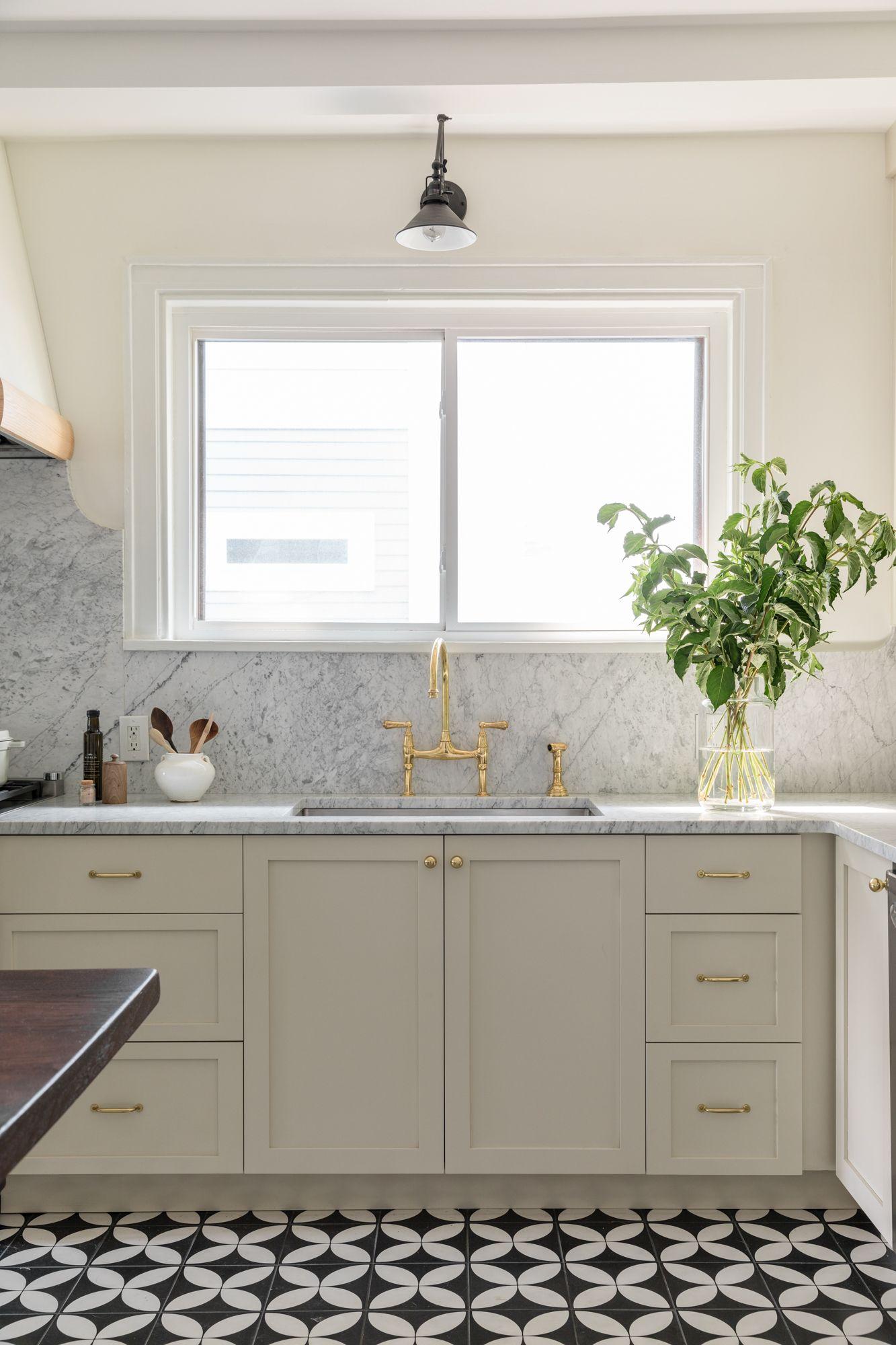Vintage Inspired Kitchen Design With A Timeless Twist Kitchen Inspiration Design Kitchen Renovation Kitchen Design