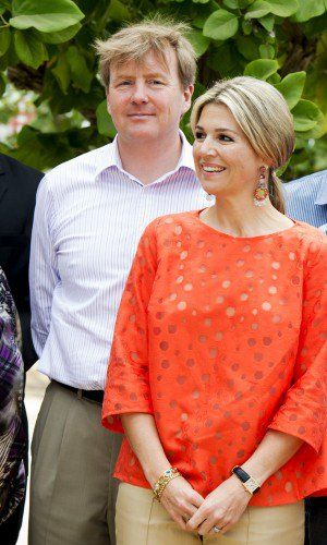 On May 2nd the Dutch King and Queen ended their visit to the Netherlands Antilles. For her last day in Aruba