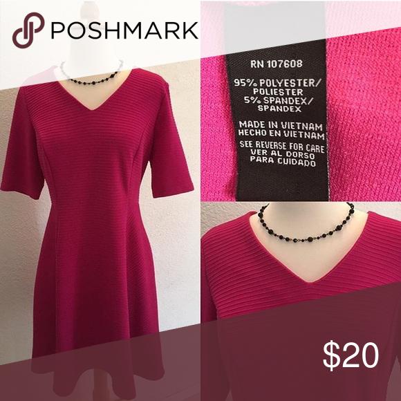 Dress Pretty Dress 👗 Size Small Bust: 38, Waist: 32, Length: 36 Hips: Free Dresses Midi