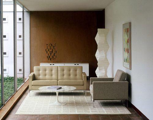Knoll Saarinen Tulip Coffee Table   White Base By Eero Saarinen   Chaplins