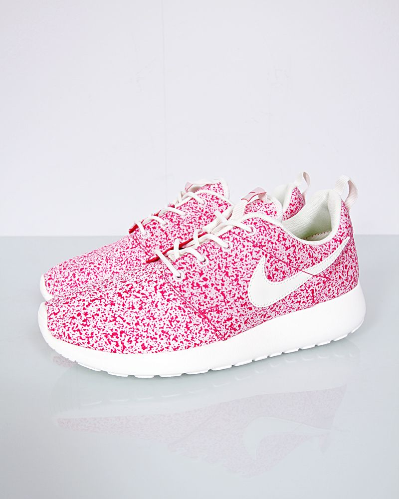 official photos 6bfee 6b171 Nike Rosherun Wmns