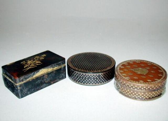 Group Of Three French Gold Inlaid Tortoise Shell Snuff Boxes For Sale At Auction On Wed 10 23 2002 07 00 Important English Boxes For Sale Tortoise Auction
