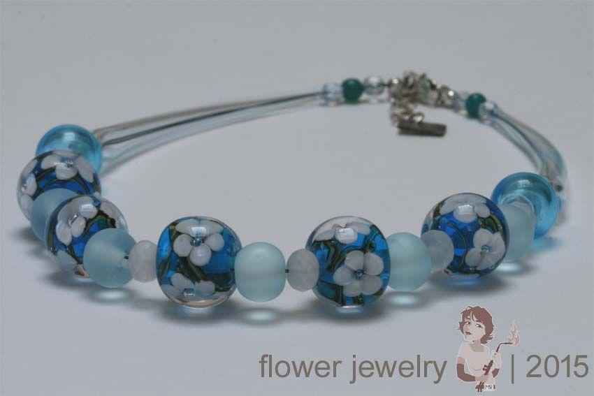 Flower jewelry | Monique Swinkels #flameworking #flowerbeads #blownbeads #necklace #jewelry