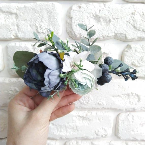 Navy blue wedding hair comb Peony and eucalyptus hair comb Bridesmaid hair comb Bridal hair comb Wedding peony comb Boho wedding Boho bridal #bluepeonies